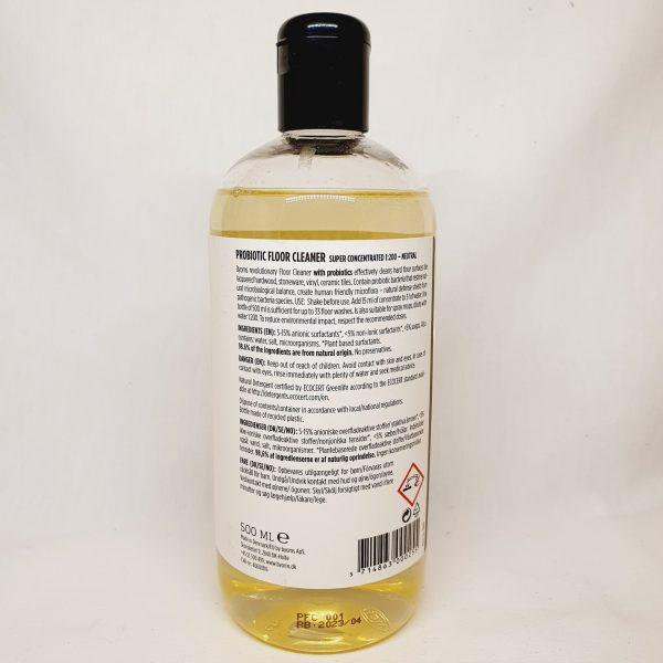 Vaske gulv med Byoms rengjøringsmiddel med probiotika - miljøvennlig og økologisk - baksiden